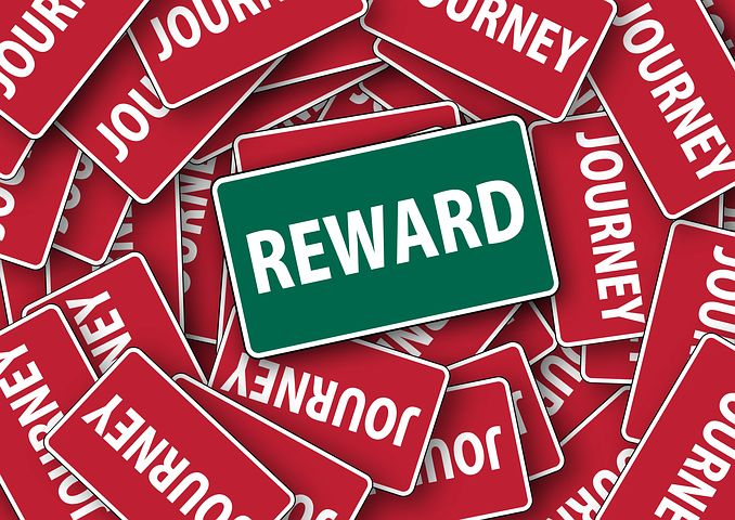 What role can rewards play in customer relationships?